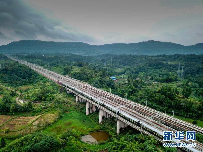 中国铁路目标:2020高铁覆盖80%大城市 2025年县县通铁路