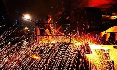 6月钢铁市场在理性的博弈中震荡偏强运行