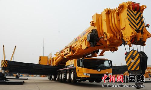 LZD900型缆载起重机在中铁九桥成功下线